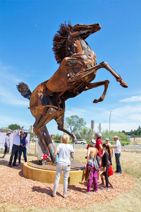 GeyservilleHorseSculpture