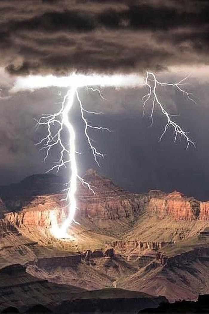 LightningOverGrandCanyon