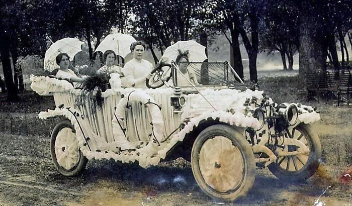 HopParadeCar1914