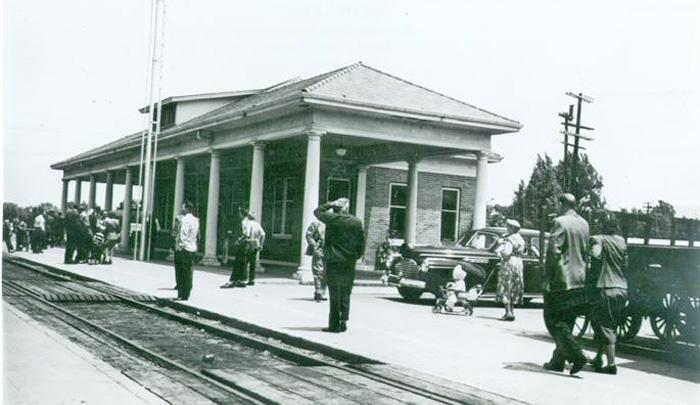 RailroadDepotEastPerkinsUkiah1940s