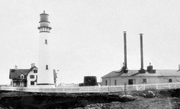 Coastlighthouse2